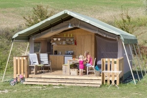 Wat is Glamping? wwww.luxetenthuren.nl